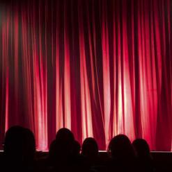 البداية مع عرض هاملت... استعدوا لمهرجان القاهرة للمسرح المعاصر والتجريبي