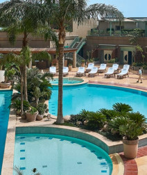 Pool Grill: Mouth-Watering Food & Relaxing Ambience at Four Seasons Hotel Cairo at Nile Plaza
