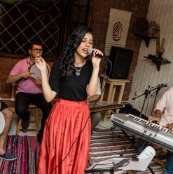 النهارده في القاهرة: سهرة كلها أغاني وانبساط
