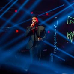 تامر حسني نجم حفلة شركة