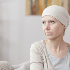 10 نصائح مهمة علشان تتعامل مع صديق مصاب بالسرطان