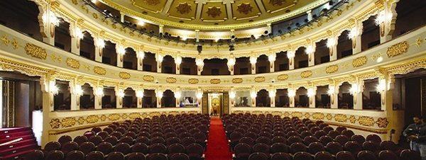 مختارات من أشهر أغاني الأفلام العالمية والمسرحيات الغنائية على مسرح الجمهورية