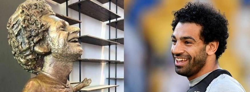 طلب منها تمثال هدية… تفاصيل مكالمة محمد صلاح مع نحاتة المنيا مي عبد الله