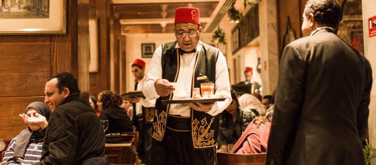 مقهى نجيب محفوظ... رحلة في الزمن لجمال وتراث القاهرة القديمة