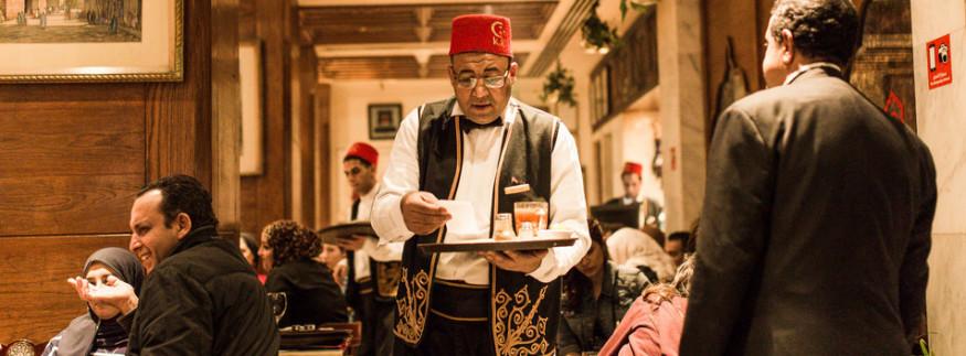 مقهى نجيب محفوظ… رحلة في الزمن لجمال وتراث القاهرة القديمة