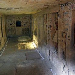 اكتشاف مقبرة عمرها أكثر من 4400 سنة في سقارة