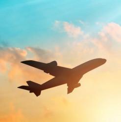دليلك لأهم مواقع وتطبيقات حجز الطيران والفنادق