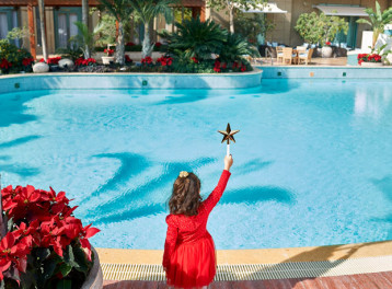 Christmas Market by the Pool at Four Seasons Nile Plaza
