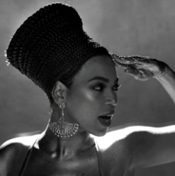 IN PICTURES: Beyoncé Rocks a Balmain Look Inspired by Ancient Egypt