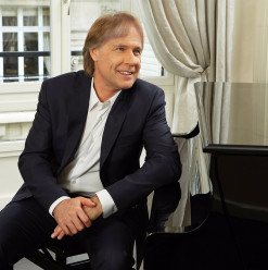 Richard Clayderman to Perform in Cairo