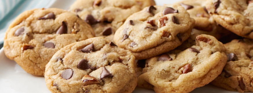 Chunky Chocolate Chips & Cream Cheese Frosting: The Capital's Best Cookies and Cakes