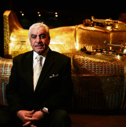 Hawass Unfolds Ancient Egyptian Mysteries at Perugia University in Italy
