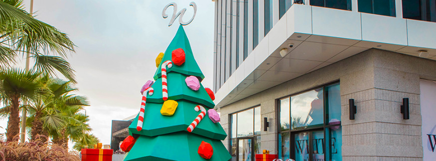 White by the Waterway: New Cairo's Latest Commercial Strip Supports Local Artists Through Its Unique Christmas Decorations 