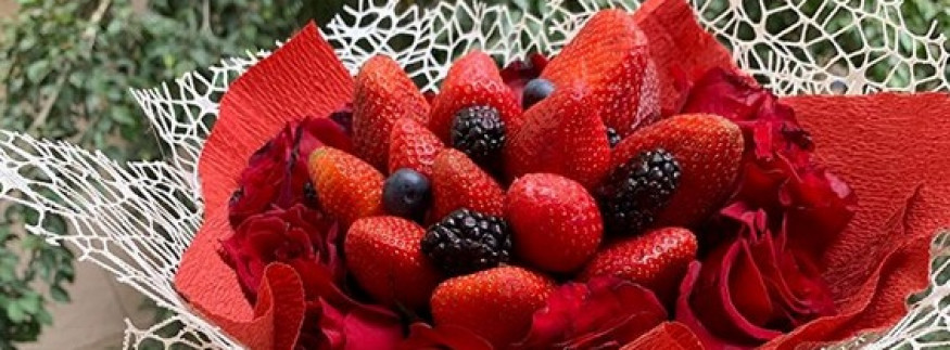  Rose & Berry's Bouquets: One Half Goes to Your Vase, And the Other Goes to Your Mouth