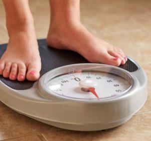من منظمة الصحة العالمية.. 8 نصائح لخسارة الوزن في رمضان