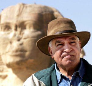 زاهي حواس يقترح تدريس اللغة الهيروغليفية في مدارس مصر