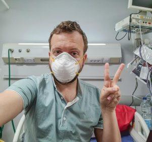 """من الأقصر لمطروح.. يوميات سائح أمريكي مصاب بـ """"كورونا"""" في مصر"""
